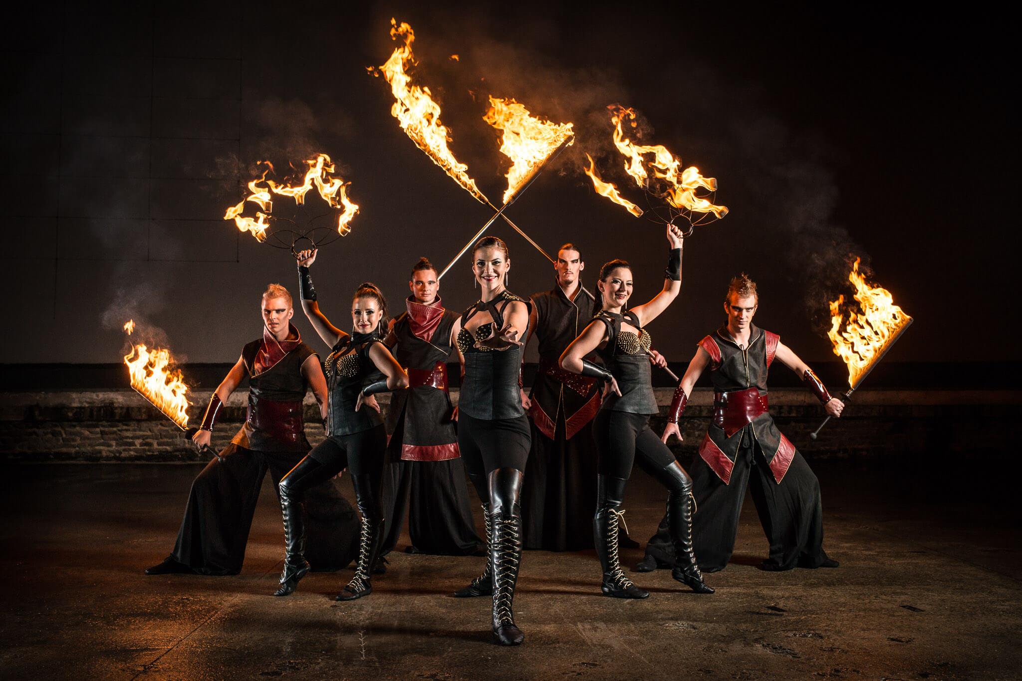 'Fireshow_ohnivá_show_Pyroterra_rock_fire'